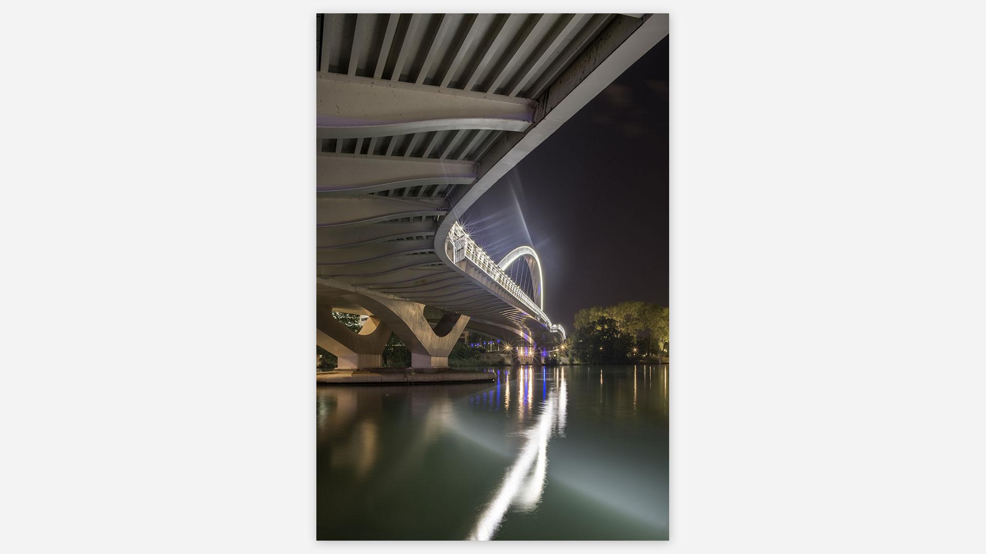 sous un pont du rhône